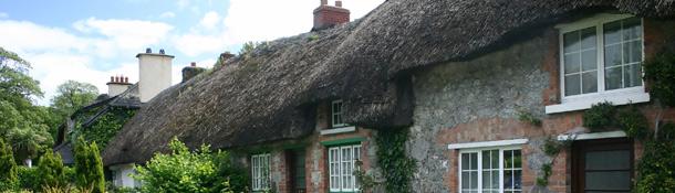 Entre los mejores pueblos de Irlanda para aprender inglés se encuentra Adare