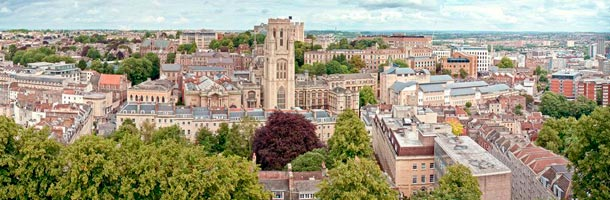 atentos a las becas de la Universidad de Bristol de grado y postgrado