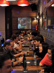 Los mejores bares de intercambio de idiomas de España