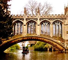 La vida estudiantil de Cambridge lo convierte en una de las mejores ciudades de UK para aprender inglés