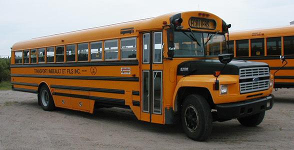 Bus escolar de Canadá
