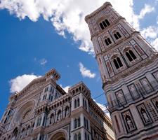 El Campanile de Giotto, situado junto a la Catedral de Florencia