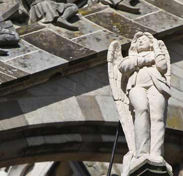 Angel con móvil