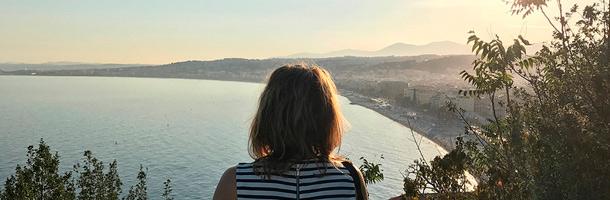 Dentro de las ciudades para aprender francés está Niza