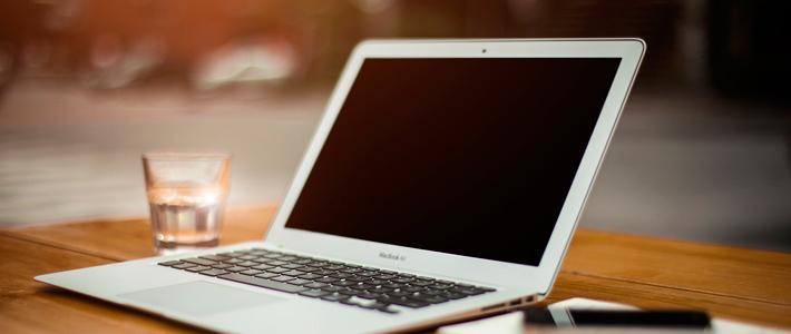 Cursos de idiomas presenciales VS cursos online. Seleccionar el curso de idiomas que mejor se adapte a tus necesidades no es tarea sencilla