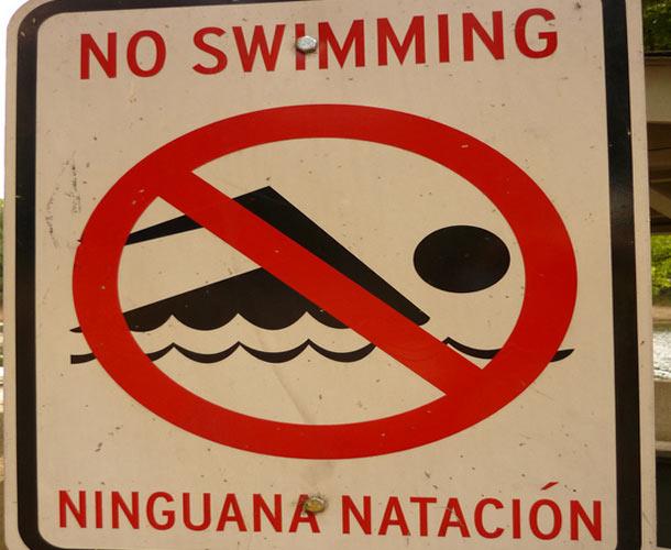 Debido a estos fallos de traducción deberían cerrar la dichosa piscina