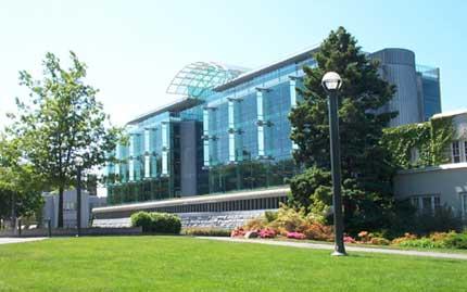 Biblioteca de la universidad Bristish Columbia